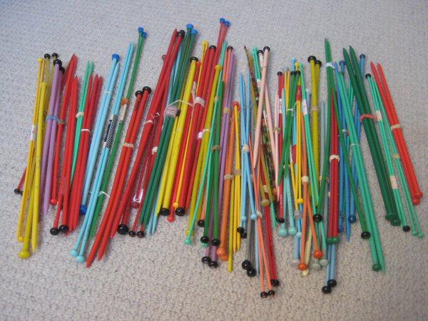 Vintage Knitting Needles : Vintage plastic knitting needles